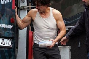 tom-cruise-muscles